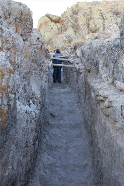 Tarihi kalede 'gizli geçit' bulundu