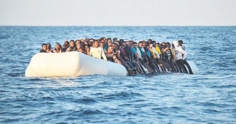 ABD donanma gemisi göçmenlerin ölümünü izlemiş