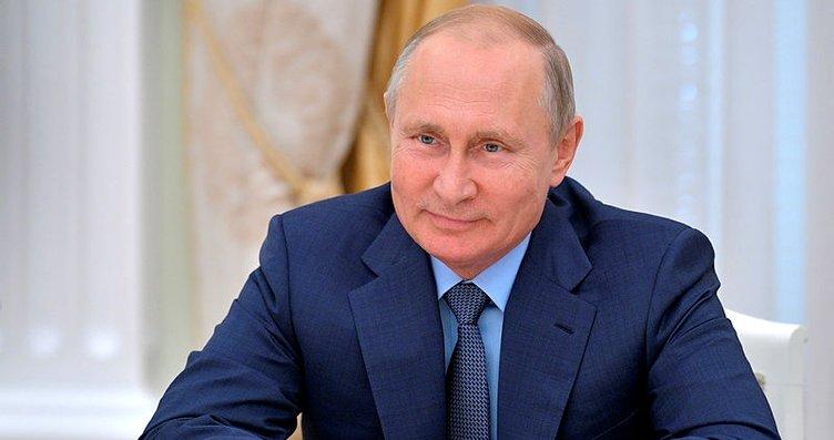 Putin'e botoks dokunuşu...
