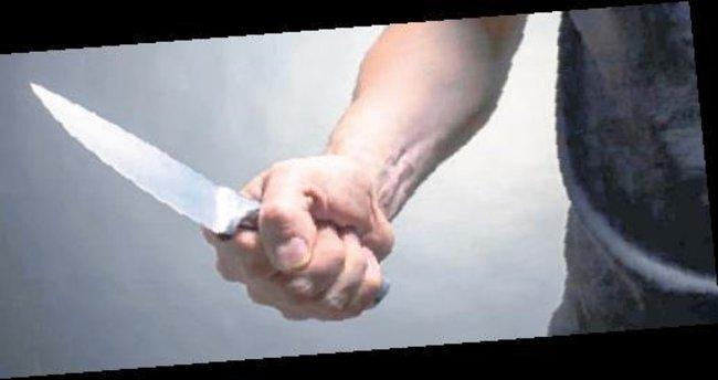 Eşini ve kızını bıçakla yaralayan kişi gözaltında