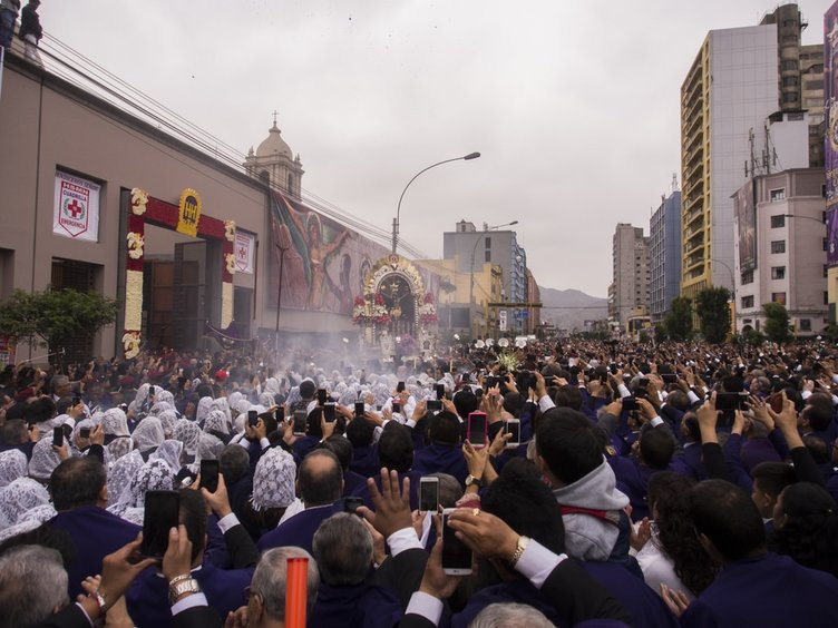 Peru'da Lord of Miracles Festivali