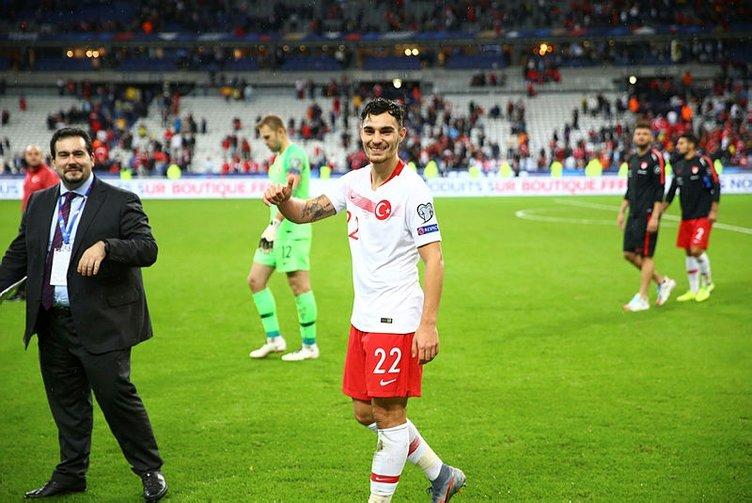 Son dakika: Galatasaray'dan stoper harekatı! Milli yıldız...