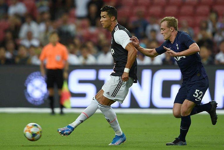 Juventus - Tottenham maçında Merih-Ronaldo sevinci sosyal medyayı salladı