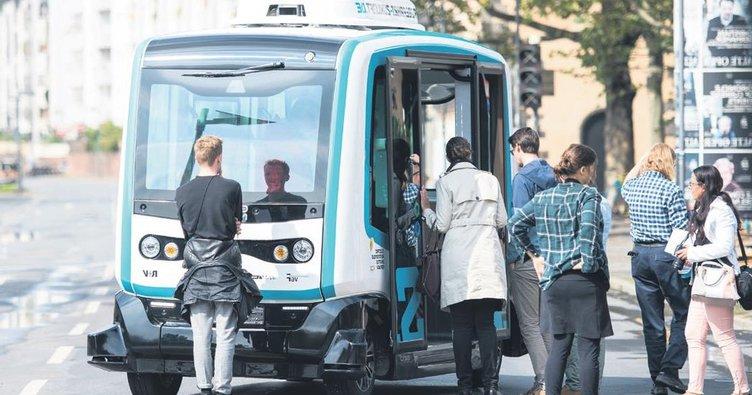 Frankfurt'ta şoförsüz minibüs