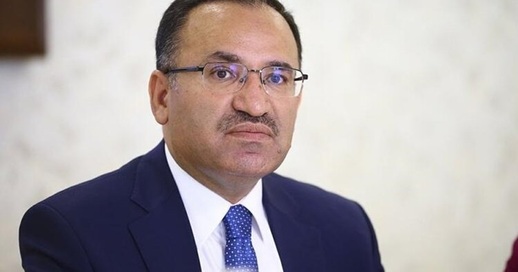 Anayasa Komisyonu Başkanı Bozdağ: Yeni anayasa için uzlaşma komisyonu kurulmalı