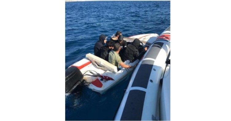 Fiber teknedeki 6 kaçak göçmen yakalandı