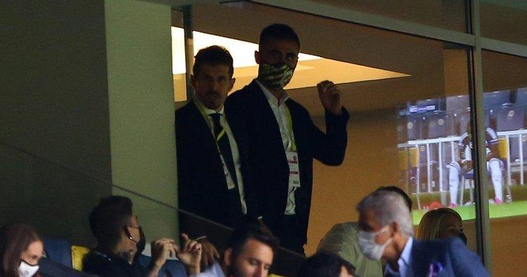 Son dakika: Fenerbahçe tribününde sürpriz isim! Selçuk Şahin maçı takip etti
