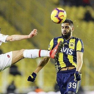 Fenerbahçe'de Benzia kadro dışı!