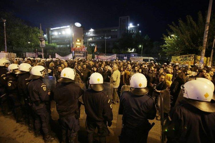 Komşuda polis müdahalesine protesto