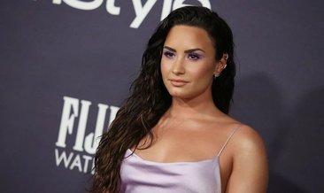 Demi Lovato'nun başı internet korsanları ile dertte! Korsanlar ünlü şarkıcının özel fotoğraflarını internete sızdırdı