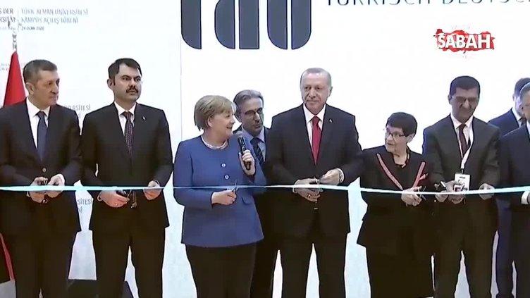 Cumhurbaşkanı Erdoğan'la beraber kurdele kesen Almanya Başbakanı Merkel'in bu hareketi sosyal medya olay oldu!