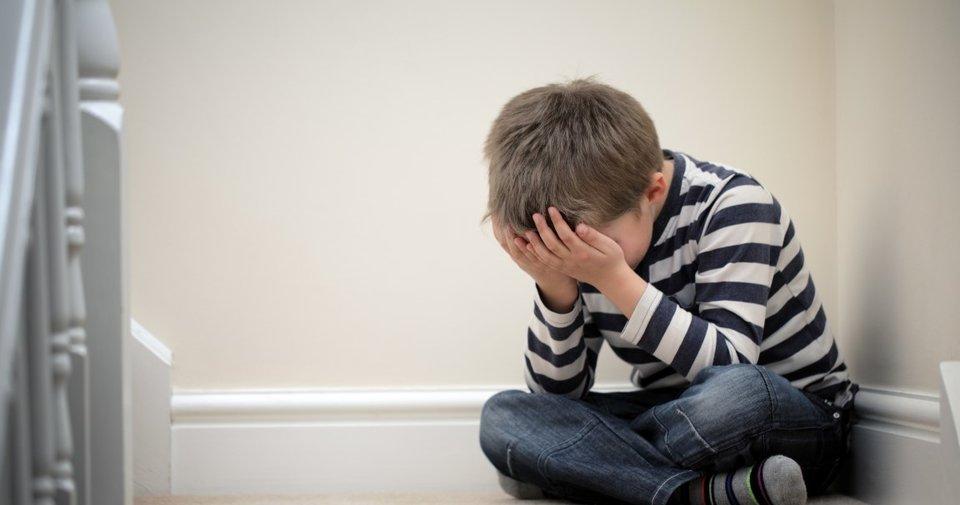Çocuklarda içine kapanıklık sosyal fobiyi işaret ediyor olabilir!
