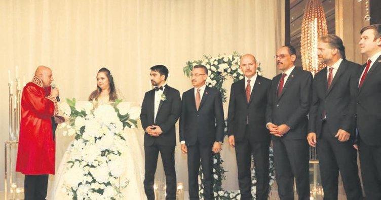 Başkan Altınok, Dostum çiftinin nikahını kıydı