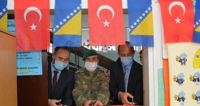 Bosna Türk Temsil Heyeti Başkanlığı 16 adet bilgisayar hediye etti