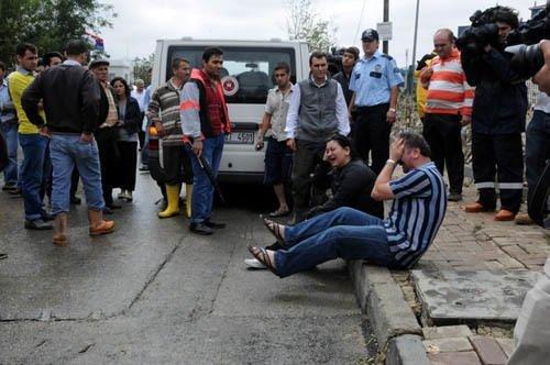 Servis minibüsünde 7 kadın öldü