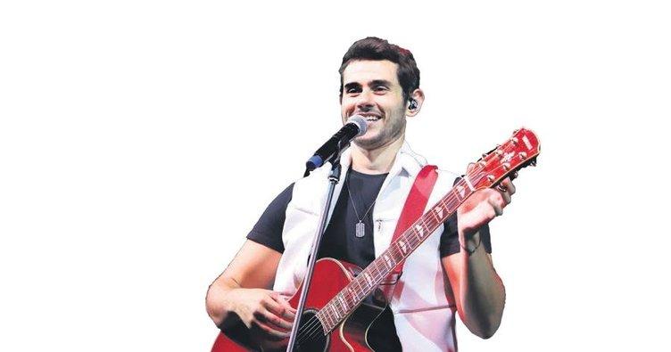 Cem Belevi'ye Eskişehir konseri öncesi sürpriz