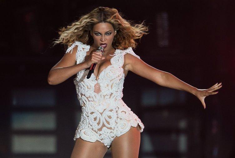 Beyonce'nin yalı fiyatına ayakkabısı