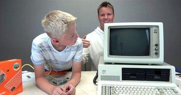 İlk kişisel bilgisayarın içini açtılar