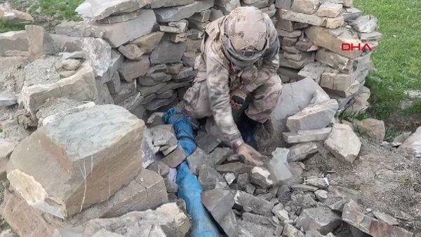 Van Başkale'de PKK'ya ait keskin nişancı tüfekleri ve mühimmat böyle ele geçirildi | Video
