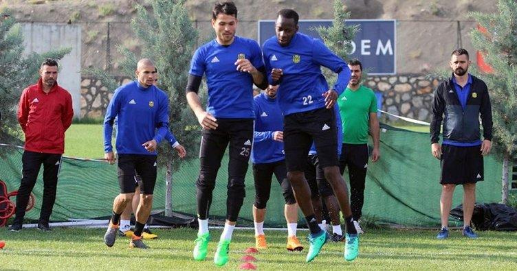 Yeni Malatyaspor'da 6 futbolcu ile yollar ayrılıyor