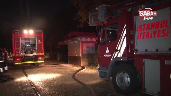 Bayrampaşa'da park içindeki kafe alev alev yandı | Video