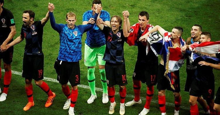 Hırvatistan, İngiltere'yi geçti Dünya Kupası'nda finale yükseldi