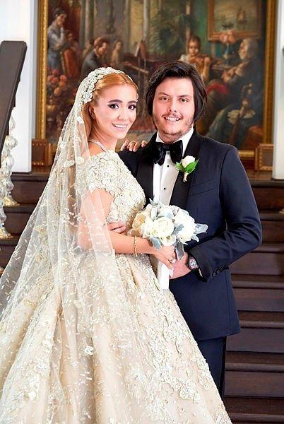Ebru Şallı ile Uğur Akkuş evlendi! Ebru Şallı'nın tektaş yüzüğünün değeri dudak uçuklattı