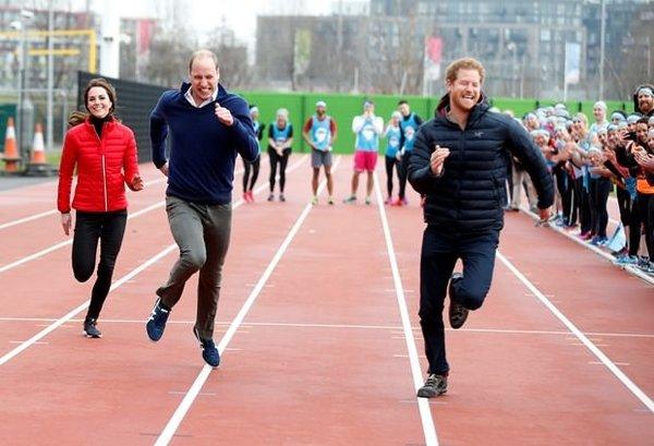 İngiliz Kraliyet Ailesi'nden 100 metre yarışı