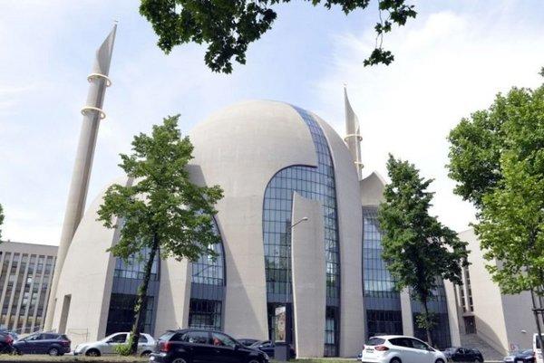 Köln Merkez Camii'nin muhteşem mimarisi