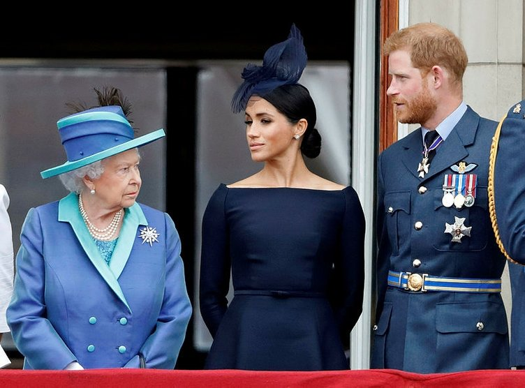 Son dakika: Prens Harry ve eşi Meghan Markle'den dikkat çeken corona virüsü kararı! Sınırlar kapatılınca apar topar ayrıldılar...