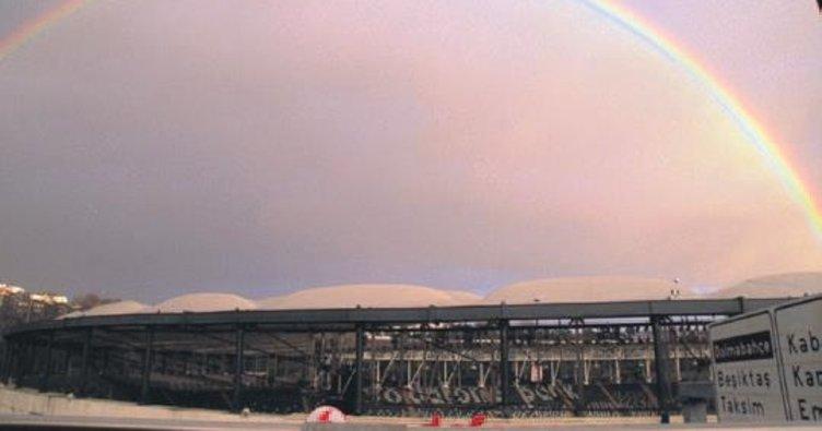 İstanbul'da gökkuşağı şöleni