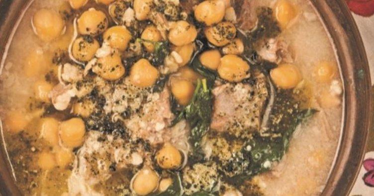 Etli ve Pazılı Tarhana Çorbası Tarifi: Etli ve Pazılı Tarhana Çorbası nasıl yapılır?