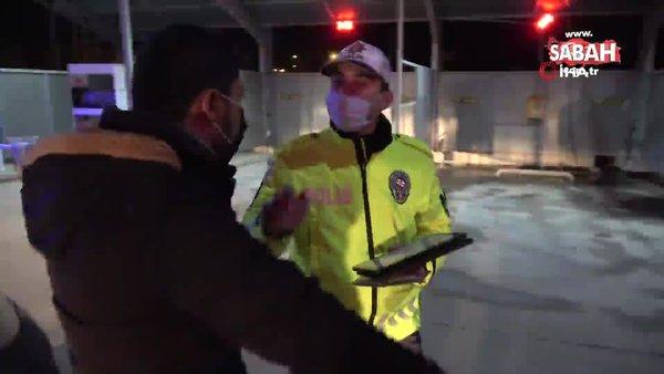 """Yoklama kaçağı ve aracı sigortasız sürücü """"Köpek gibi yalvarıyorum çek"""" deyip poz verdi   Video"""