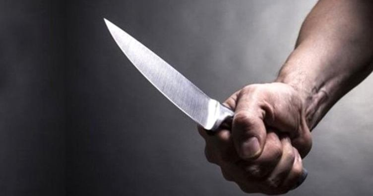 Eşini bıçaklayarak öldürdü