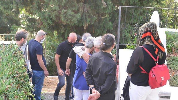 Son dakika haberi: Serdar Oral'ın ani ölümünün ardından Özgü Namal yıkıldı! Ünlü oyuncu cenaze törenine katılamadı...