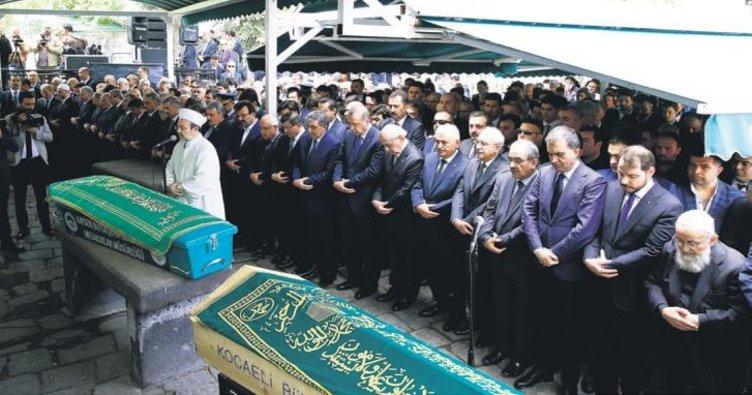 Devletin zirvesi Abdullah Gül'ü yalnız bırakmadı