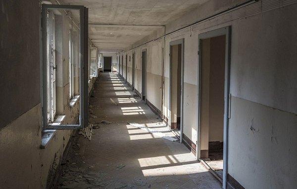 10 bin odası var, tek bir ziyaretçisi bile yok