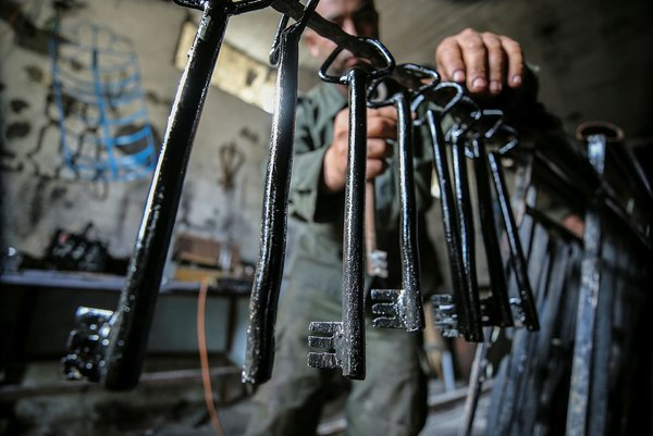 Filistinli göstericilere 'Dönüş Anahtarı' yaparak destek oluyor!