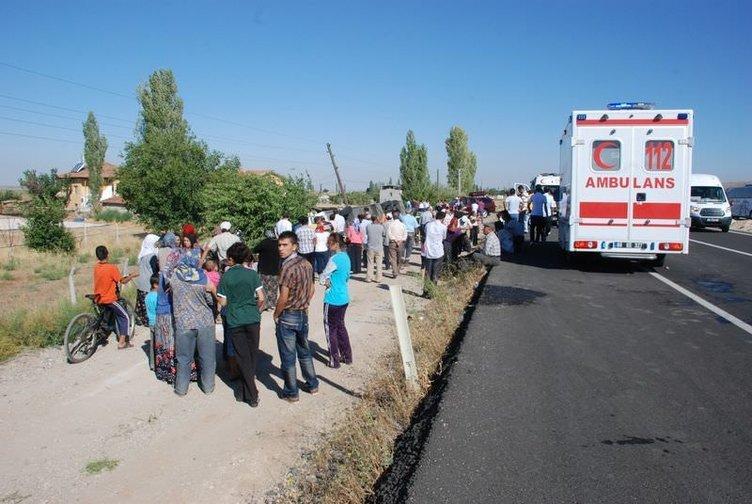 Aksaray'da yolcu otobüsü devrildi