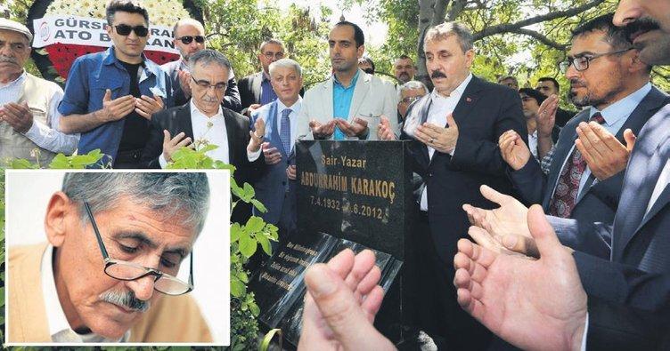 Türk edebiyatının iki büyük şairi anıldı
