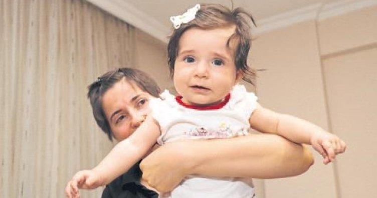 Neva bebek kanser ameliyatı geçirdi