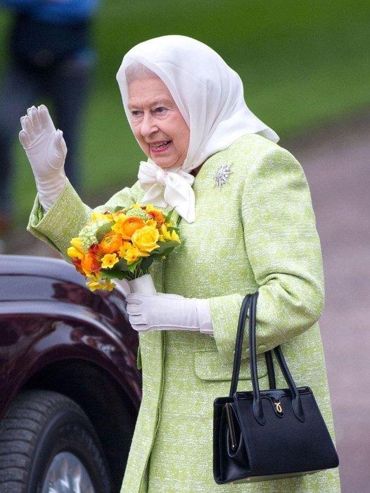 Kraliçe II. Elizabeth hakkında şoke eden iddia! Kraliçe Elizabeth aşı bulunana kadar görevine dönmeyebilir
