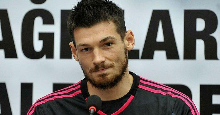 Beşiktaş'ta ayrılık! Denys Boyko resmen Dinamo Kiev'e transfer oldu!