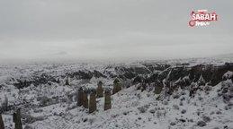 Karlar altındaki peribacaları görüntüsüyle mest etti | Video