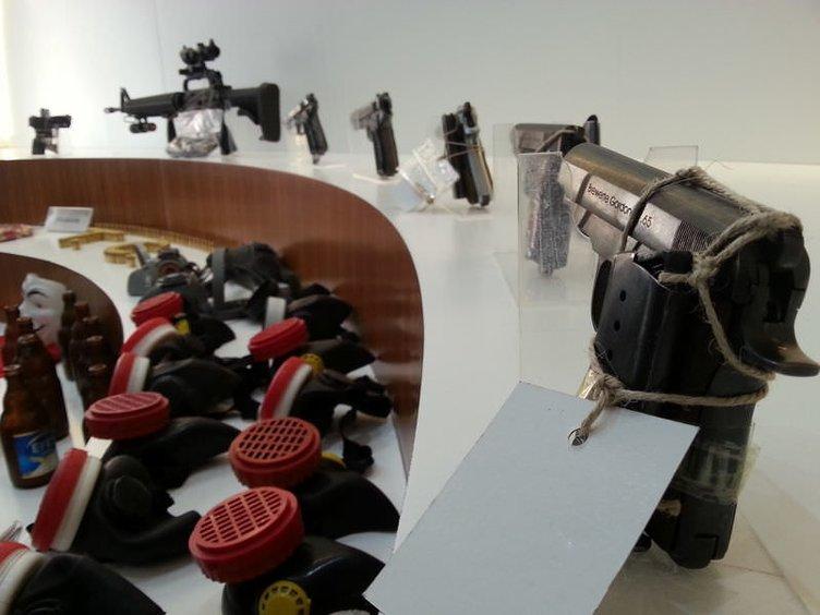 Gülsuyu'nda ele geçirilen silahlar