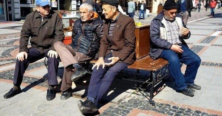 65 yaş üstü sokağa çıkma yasağı kalktı mı, ne zaman bitecek? 65 yaş üstü için gözler yeni normalleşme takviminde!
