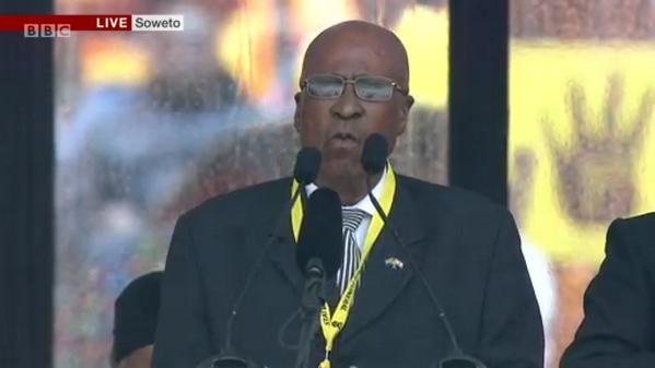 Mandela için resmi anma töreni