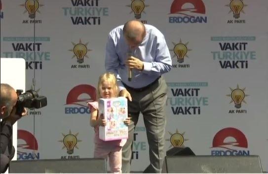 Vatandaşlar Cumhurbaşkanı Erdoğan'ı Isparta'da coşkuyla karşıladı