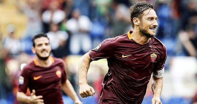 Totti 23 sezon üst üste gol attı