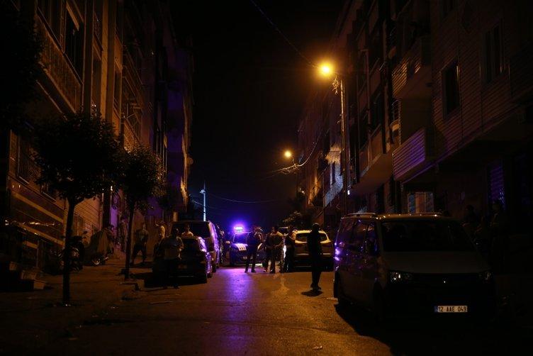 Sultangazi'de sallanan binalar vatandaşı sokağa döktü